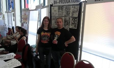 BK-Produktionen an ihrem Stand beim Comicfestival Münchenm Stand von